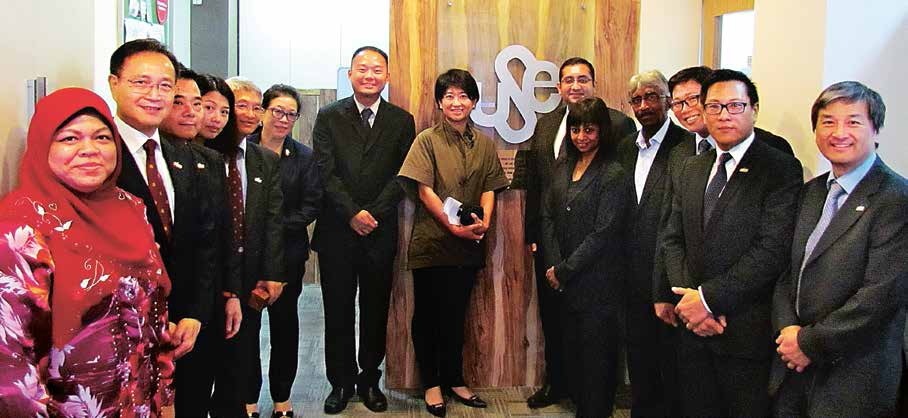 Union of Security Employees (USE) exco members pose for a photo with Hong Kong delegates.