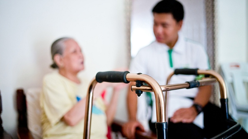 Suffering from Dementia, 79-year-old Mdm Wong requires extra patience and care (Photo Source: NTUC This Week)