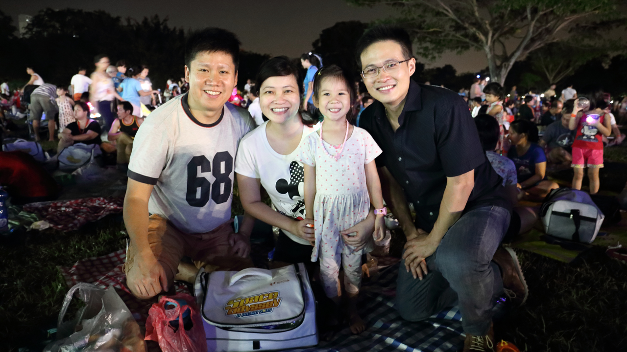 Advocating the importance of spending quality time with the whole family, Director of NTUC's Youth Development Unit, Desmond Choo, joined over 1,400 happy families at the NTUC U Picnic