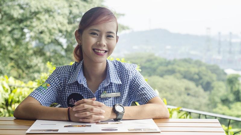 Senior Waitress, Zakiyyah Zainal
