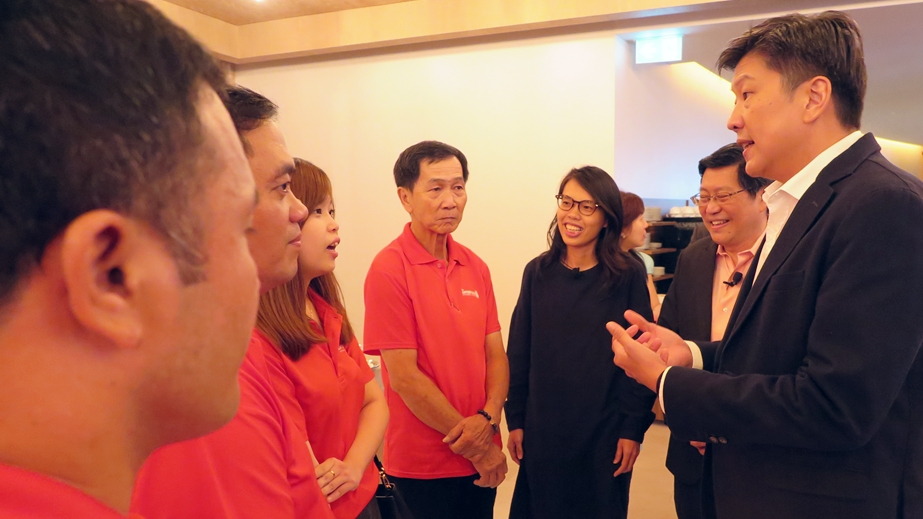 Ng Chee Meng with Intertech's team