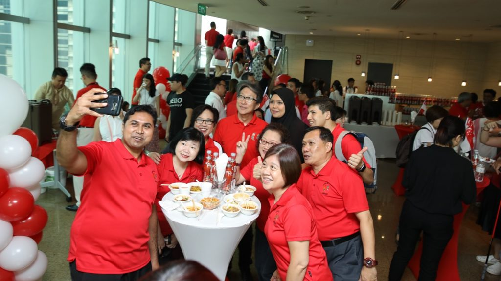 Union leaders mark the occasion with makan-time selfies.