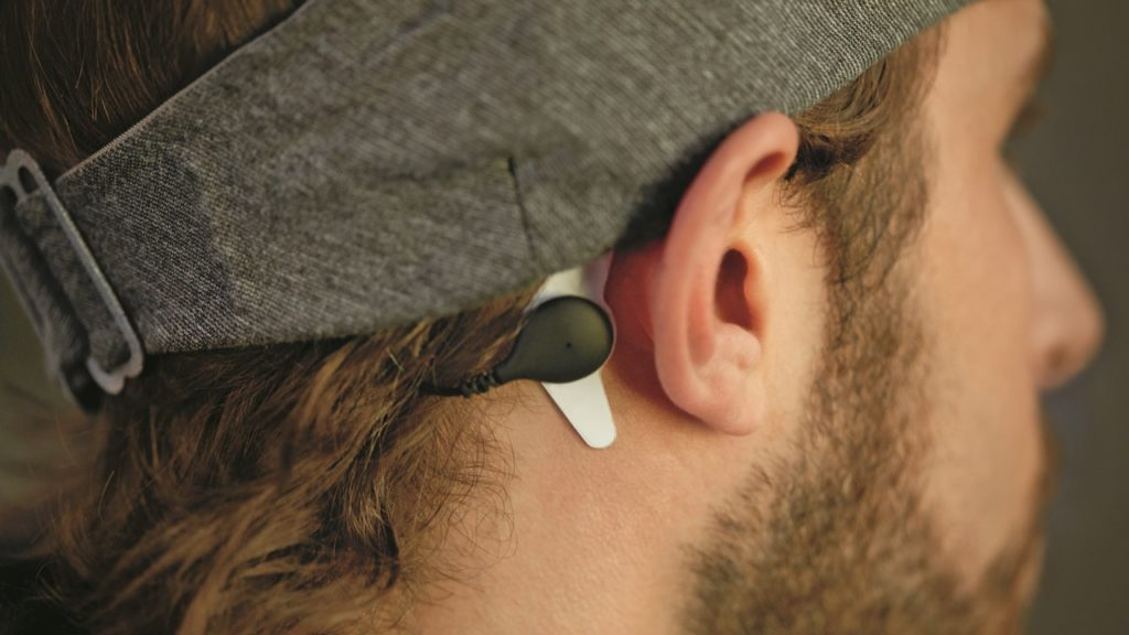 Customised audio tones help users achieve better, more restful sleep.